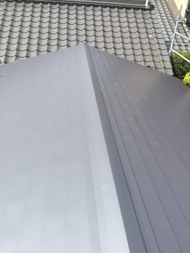 ガルバリウム鋼板 横葺き 施工後