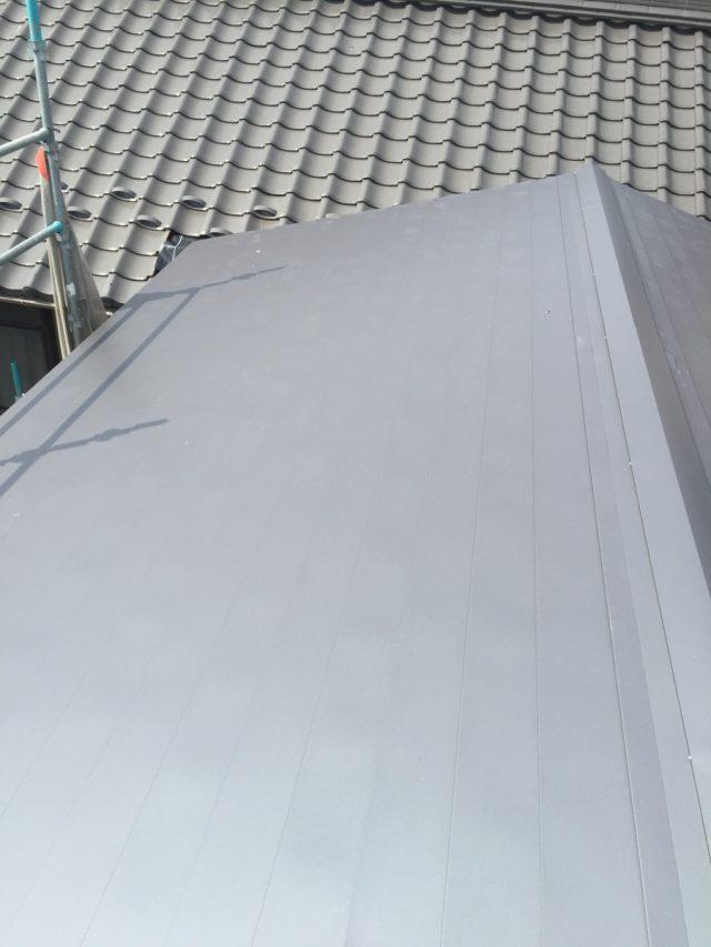ガルバリウム鋼板 横葺き