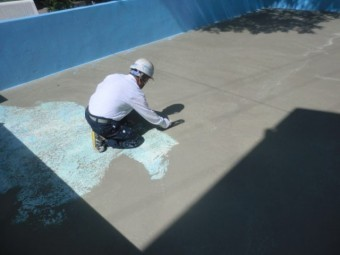 プール塗装工事