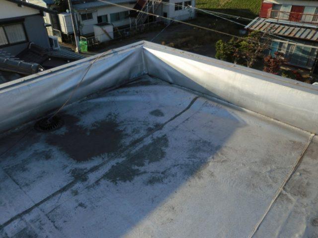 屋上シート防水の浮き上がり 雨漏り