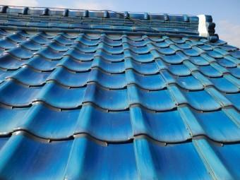 漆喰を詰め直した屋根