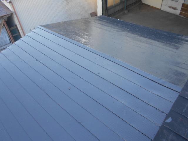横葺き金属屋根