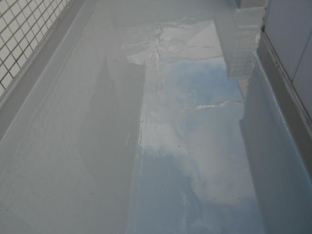 大垣市でバルコニーの床をウレタン防水工事を実施しました。