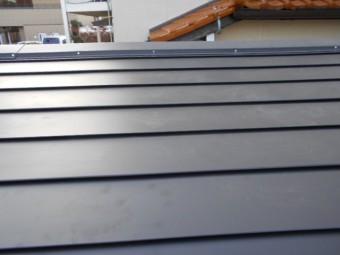 立平葺きガルバリウム鋼板