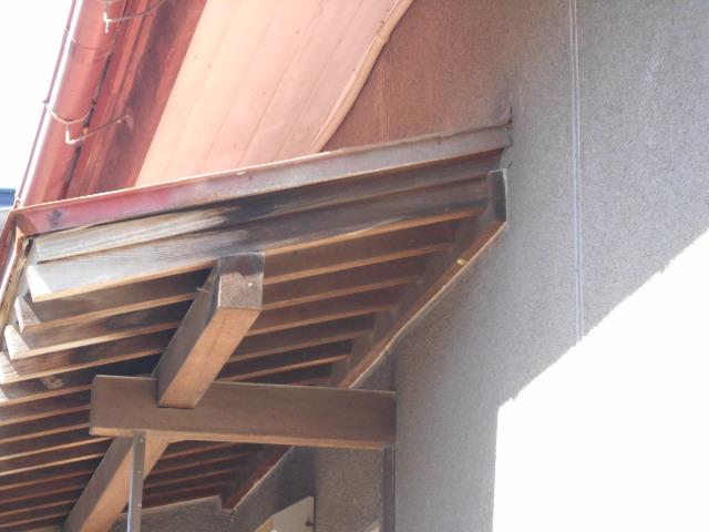 玄関庇屋根調査