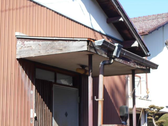 玄関屋根ち調査