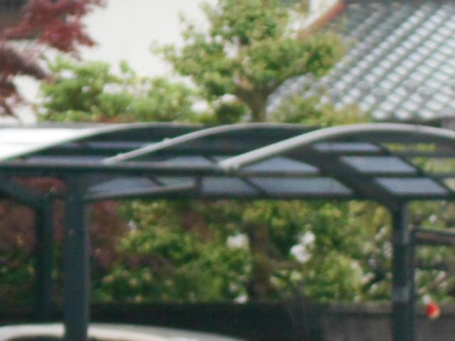 大垣市 カーポート屋根パネルが風害で一部飛散しています。修理お願いします