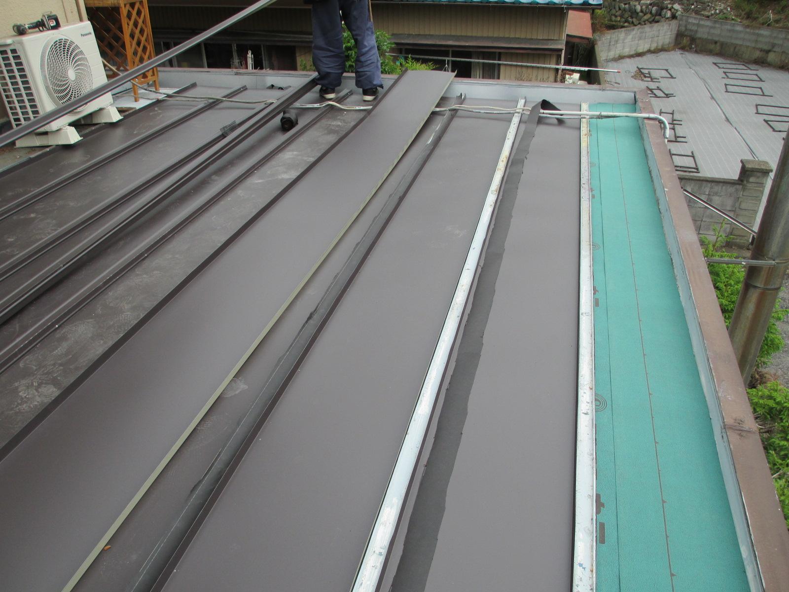 ガルバリウム鋼板瓦棒屋根