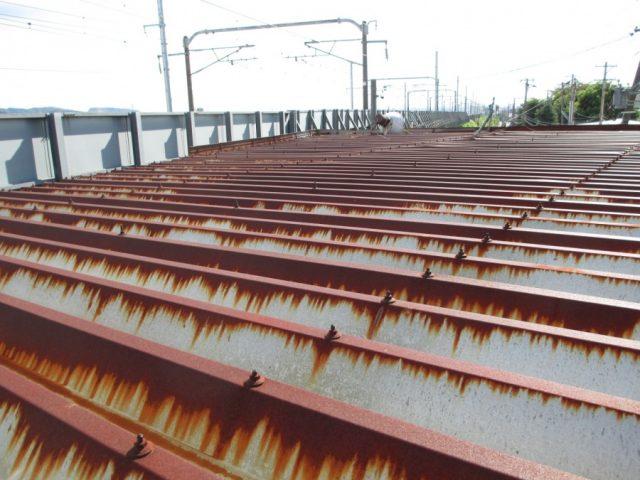 折板屋根の点検